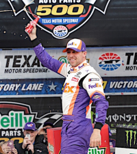 Distractions No Problem For Contender Hamlin