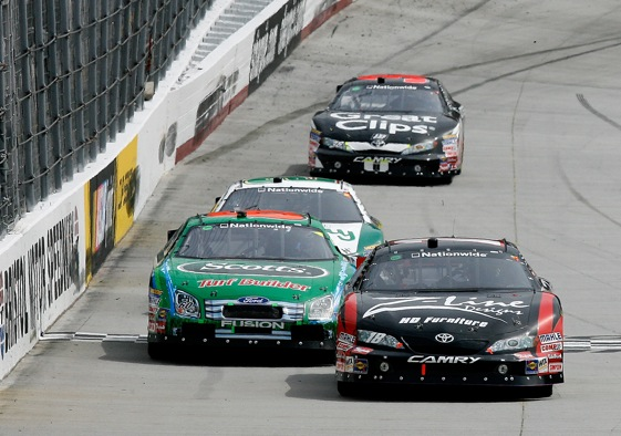 Nationwide - Carl Edwards leads Kyle Busch