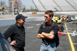 Carl Edwards talks with the man who helped make him a star  Mike Mittler. (RacinToday photo courtesy of Dan Robinson)