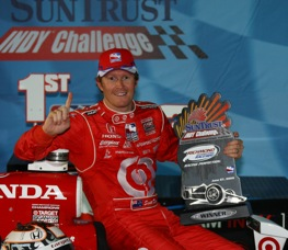 Scott Dixon and his record-tying IndyCar trophy. (Indy Racing League photo by Shawn Payne)