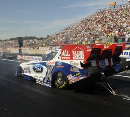 Mike Neff nailed the No. 1 Funny Car qualifying spot in Norwalk.