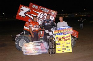 Jason Sides and his crew celebrate their win (World of Outlaws photo by Alex & Helen Bruce)