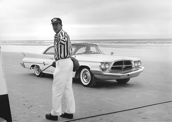 Bill France Jr. serves as an official when Daytona racing was held on the beach. (Photo courtesy of NASCAR)