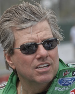 John Force facing loyalty dilemma. (File photo courtesy of Elon Werner)