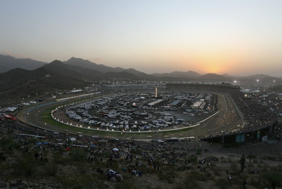 Phoenix International Raceway: Very pretty, but how will the racing be today? (Photo by Christian Petersen/Getty Images)