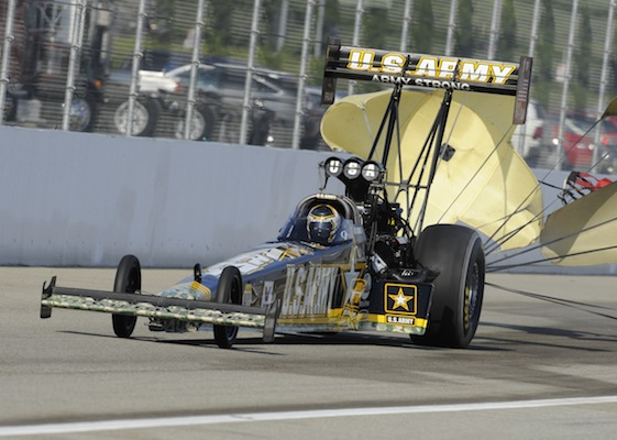 Tony Schumacher pops his chute at Pomona and coasts to his sixth straight Top Fuel championship. (Photo courtesy of the NHRA)