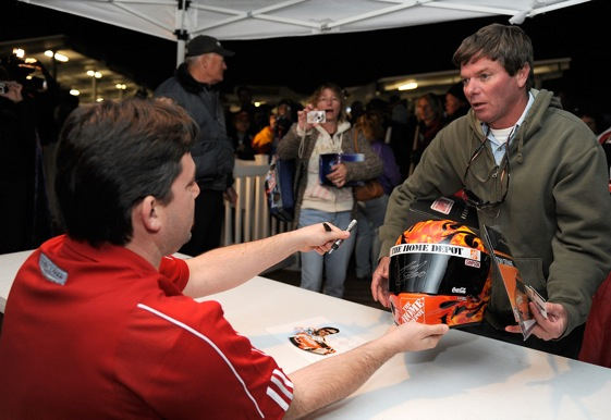Tony Stewart interacts with fans at the 2009 Pre Season Thunder event at Daytona. The event remains a good one even though the thunder is gone. (Photo by Rusty Jarrett/Getty Images for NASCAR)