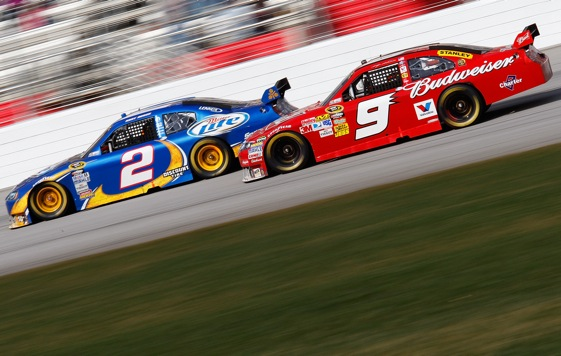 Kurt Busch and Kasey Kahne fought for the lead all day long at Atlanta Motor Speedway. (Photo by Geoff Burke/Getty Images for NASCAR)