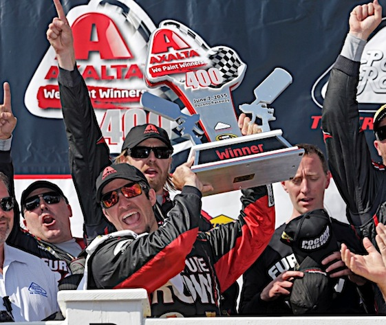 Martin Truex Jr. and his Furniture Row Racing team celebrate in Victory Lane at Pocono. (RacinToday/HHP photo by Harold Hinson)
