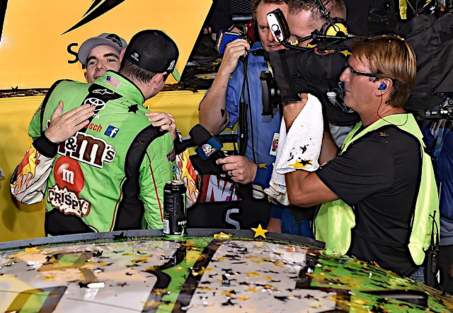 Former teammate Jeff Gordon paid Kyle Busch a visit in Victory Lane on Sunday (RacinToday/HHP photo by Rusty Jarrett )