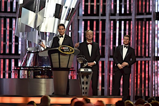 Jeff Gordon was honored at the Las Vegas banquet on Friday night. Introducing him were Brian France and actor Tom Cruise. (RacinToday/HHP photo by Rusty Jarrett )