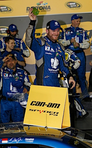 Dale Earnhardt Jr. celebrates Duel win. (RacinToday/HHP photo by Andrew Coppley)