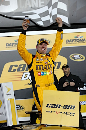 Defending Cup champion Kyle Busch claimed the victory in the second Duel on Thursday. (RacinToday/HHP photo by Andrew Coppley)