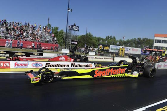 Doug Kalitta, far lane, took on – and beat – teammate J.R. Todd in the Top Fuel finals Sunday in Georgia.