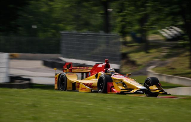 Ryan Hunter-Reay powers through the wooded moraines at Road America.